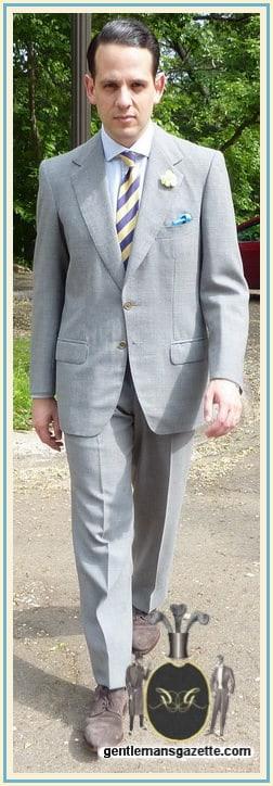 Caraceni Suit aus Fresco mit Boutonniere