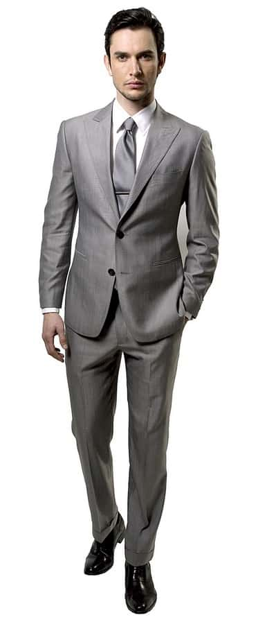 Modern Lightweight Suit with Wrinkles