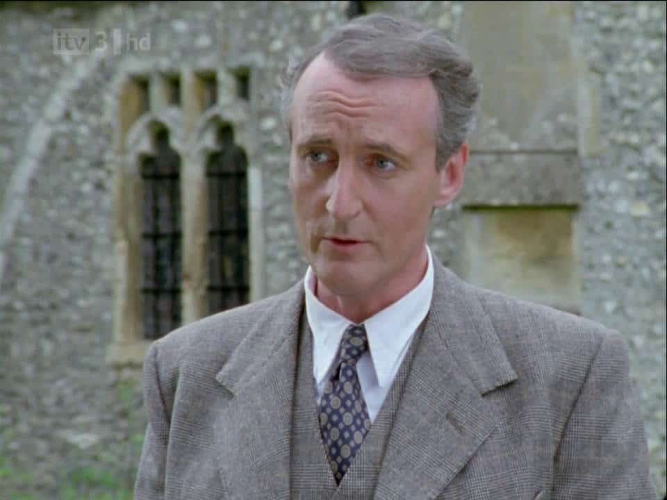 arthur hastings 39 clothes in agatha christie 39 s poirot. Black Bedroom Furniture Sets. Home Design Ideas