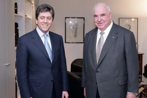 Helmut Kohl in Bespoke Suit by Volkmar Arnulf