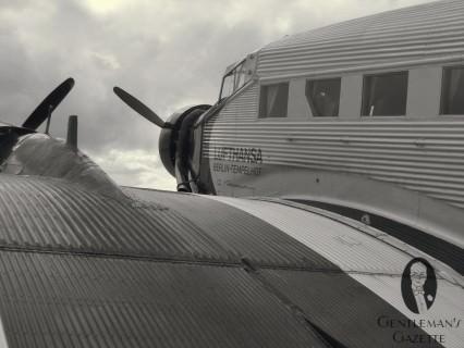 Ju 52 of the Lufthansa Berlin Foundation: A Flying Legend