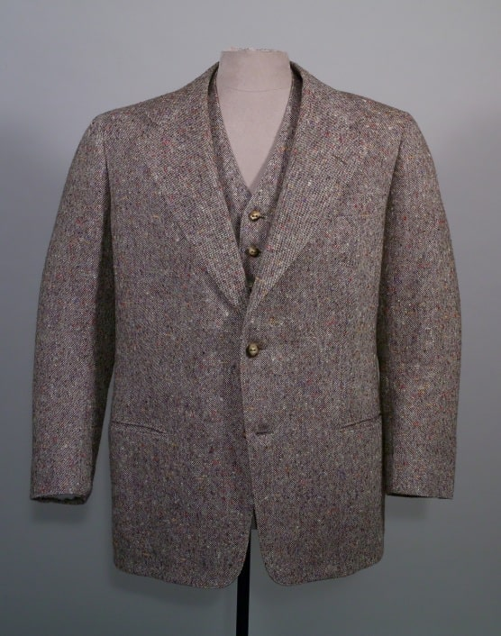 Single Breasted Donegal Tweed Suit in Mottled Brown 1948