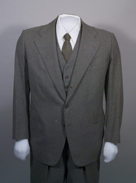 Single-breasted, gray suit, Brod 1950.