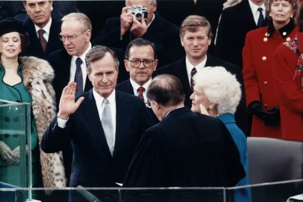 Bush senior in Suit 1989