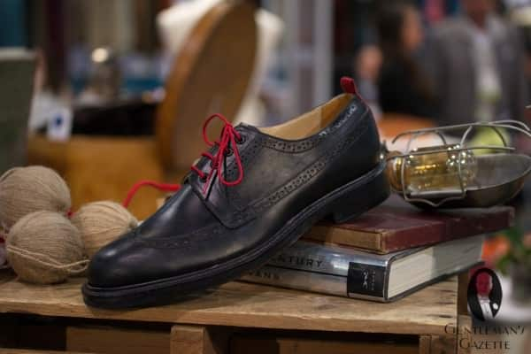 Well Bred Winthrop Long Wingtip with leather sole