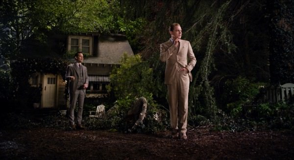 Gatsby in beige suit