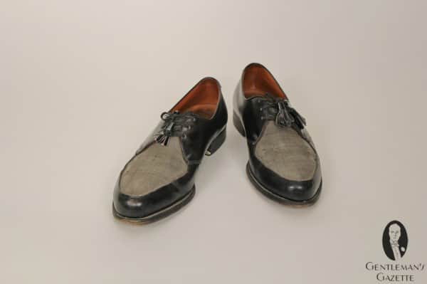 Grey fabric - black leather two tone shoes from the 1950's