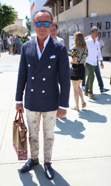 Goofy pants with blazer and mother of pearl buttons