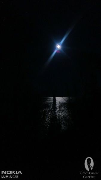 Lake Superior at night with Lumia 928
