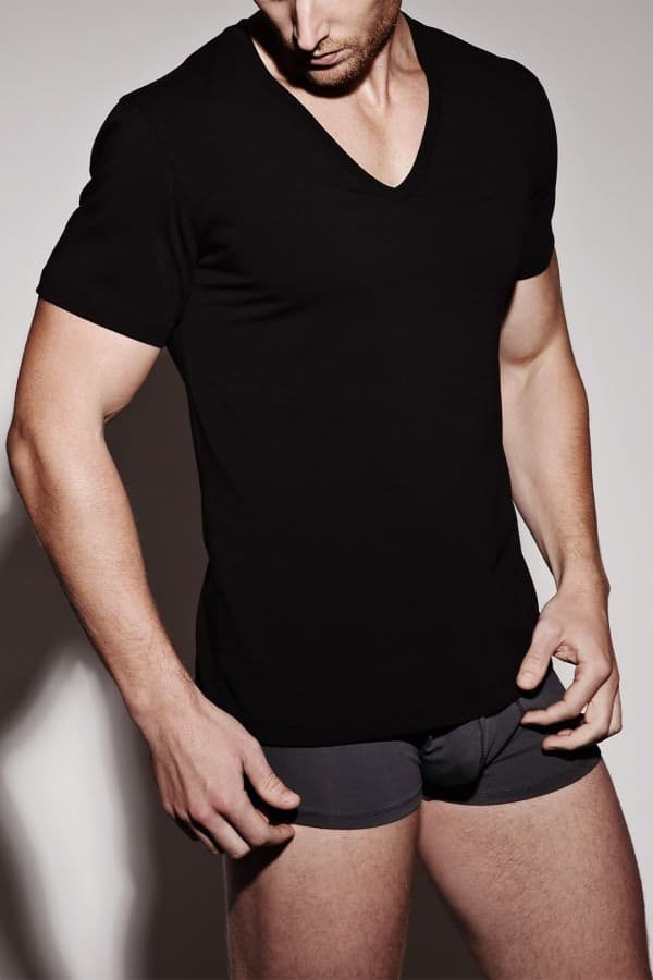 Black undershirt - not recommended