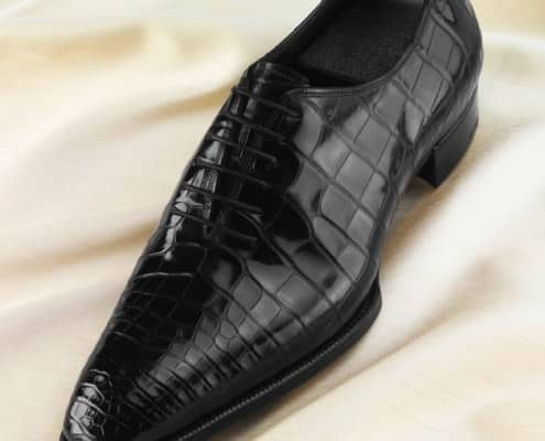 An alligator-skin shoe from the Deco collection