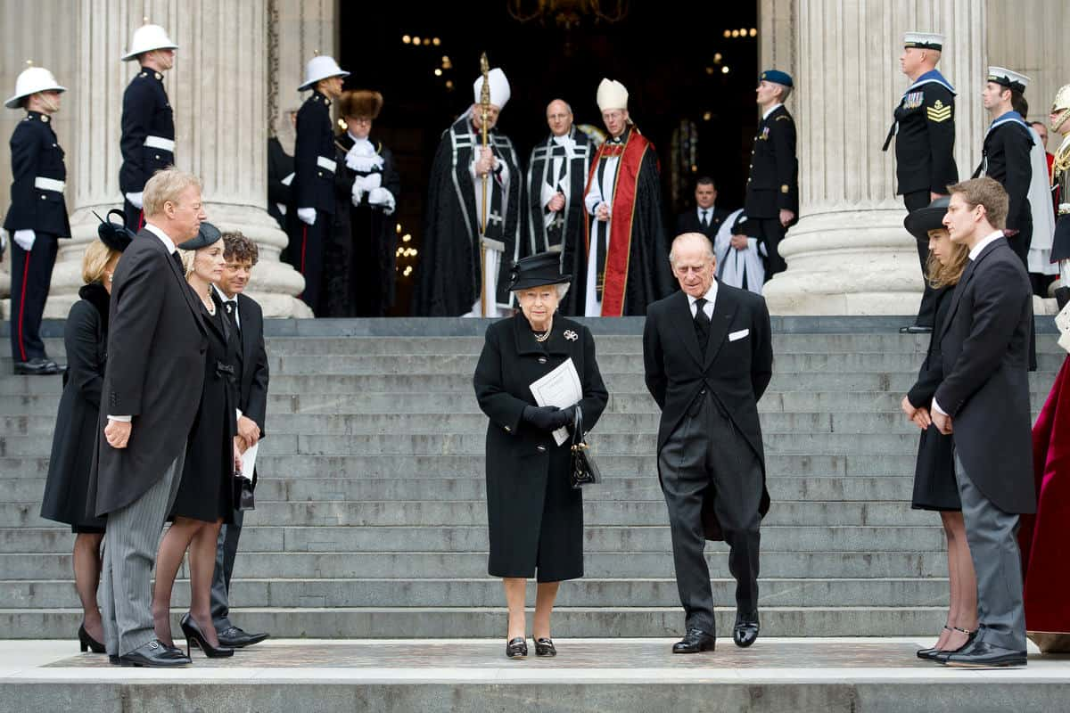 Funeral Etiquette: What to Wear & What to do — Gentleman's ...