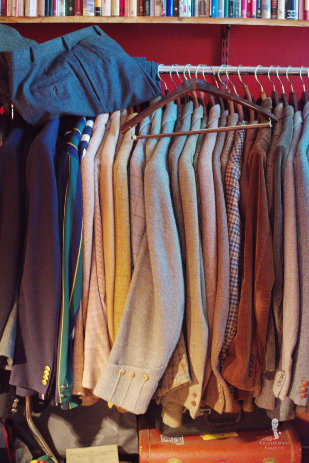 How to Get the Musty Smell Out of Clothes