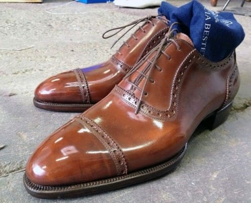 Brown half brogue without medallion with antique patina by Landy Lacour