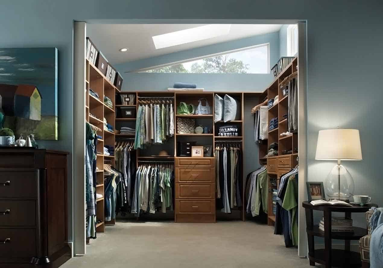 walk in closet wardrobe systems guide gentleman 39 s gazette. Black Bedroom Furniture Sets. Home Design Ideas