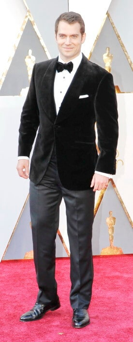 Henry Cavill in above average black tie ensemble but the capte oxfords show broguing which is not good