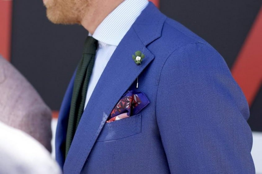 Lapel pin dangling without boutonniere loop