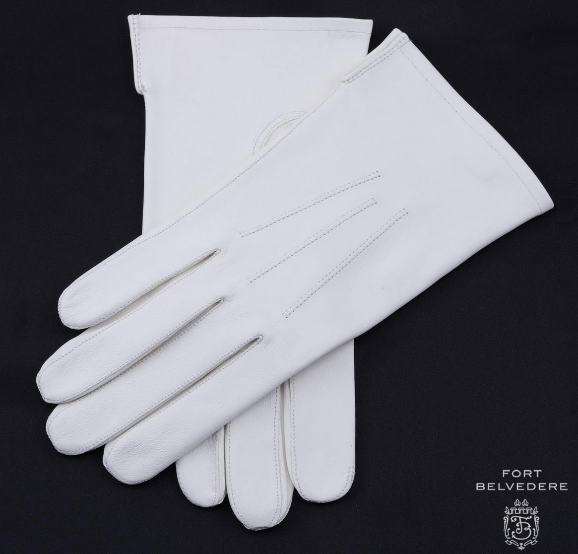 The Royals are luxurious leather dress gloves for men with long fingers. Made with buttery smooth deerskin, The Royals are a cut above the rest. Perfect for any man of style, whether he be headed to the office, or out for a night on the town.
