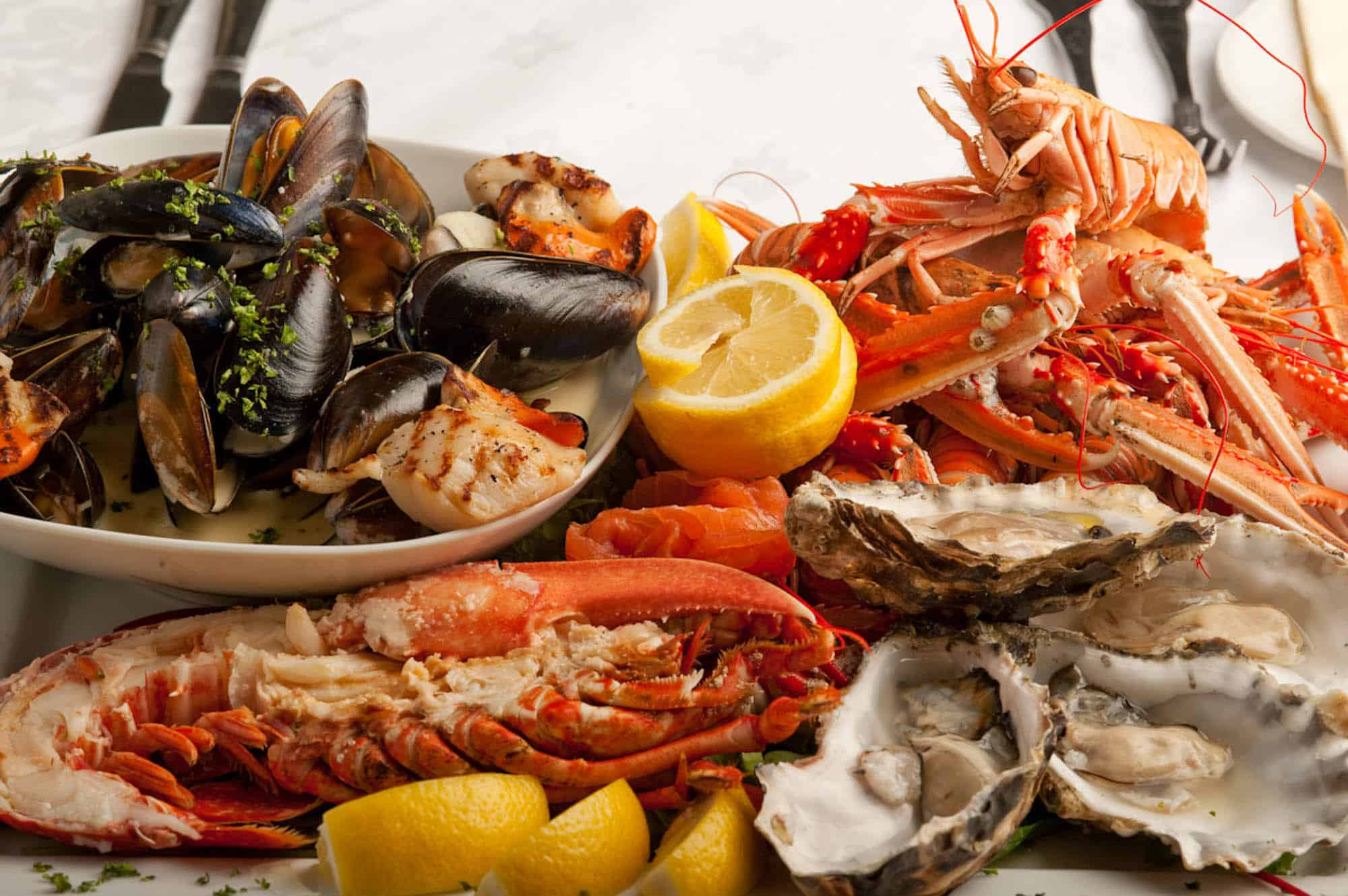 http://www.gentlemansgazette.com/wp-content/uploads/2015/01/Theres-nothing-better-than-quality-seafood.jpg