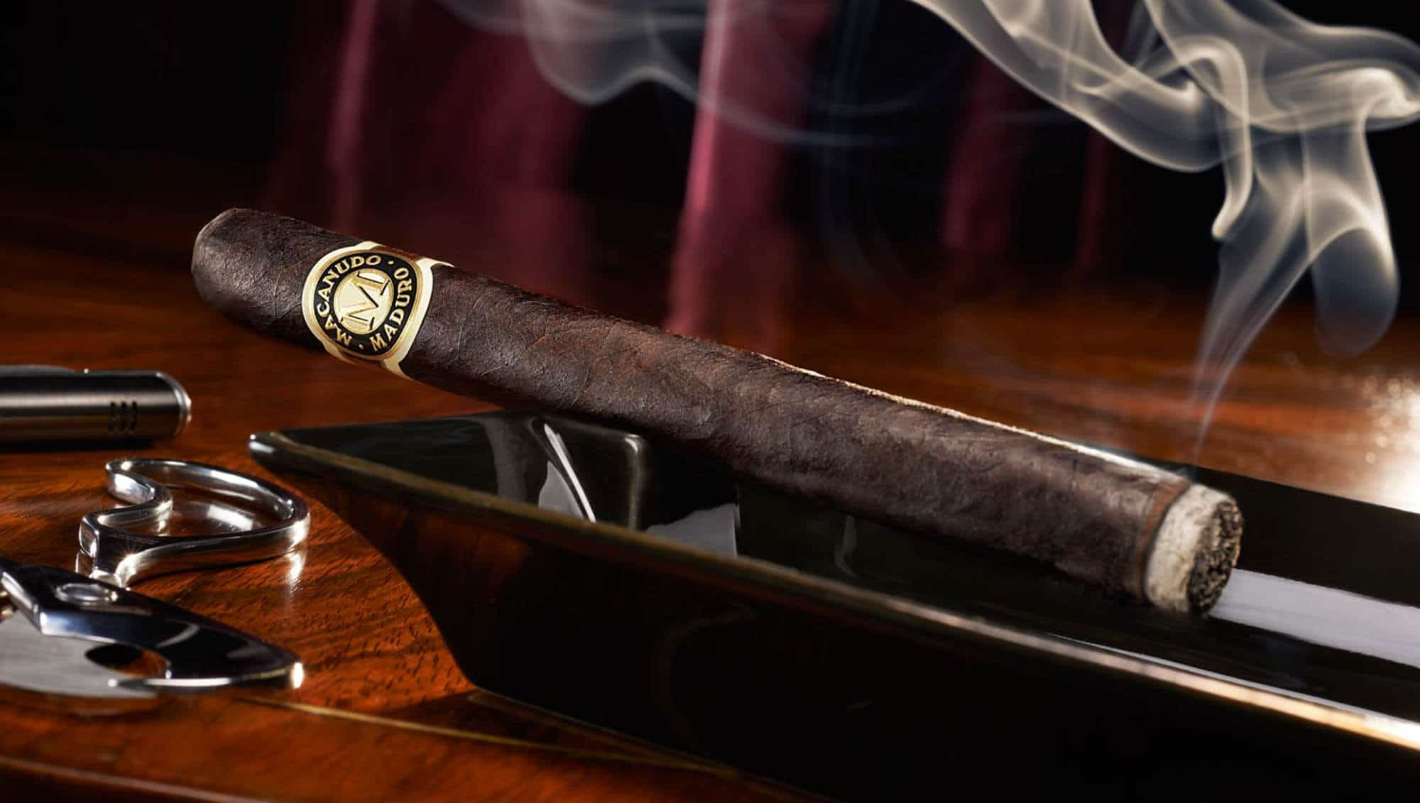 The Beginners Guide To Humidors (What You Need To Know To Get Started)