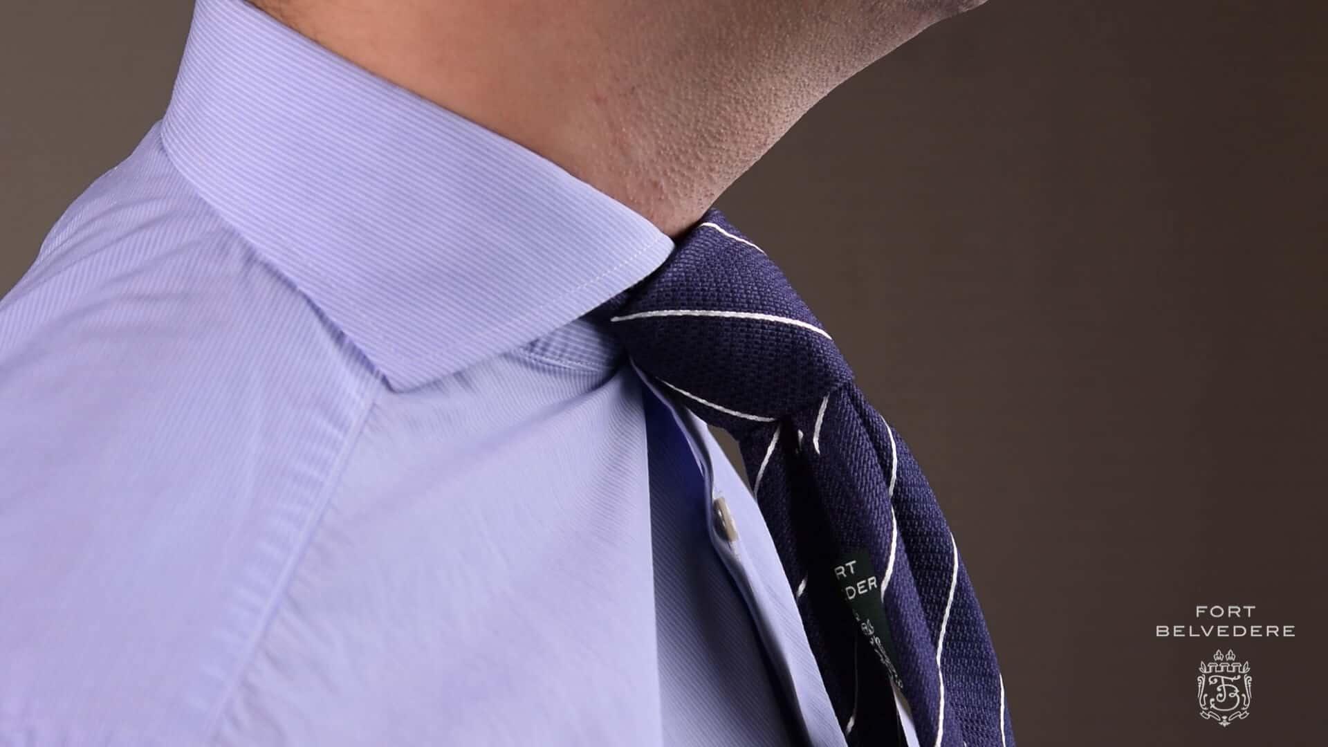How to Tie A Half Windsor Knot — Gentleman's Gazette