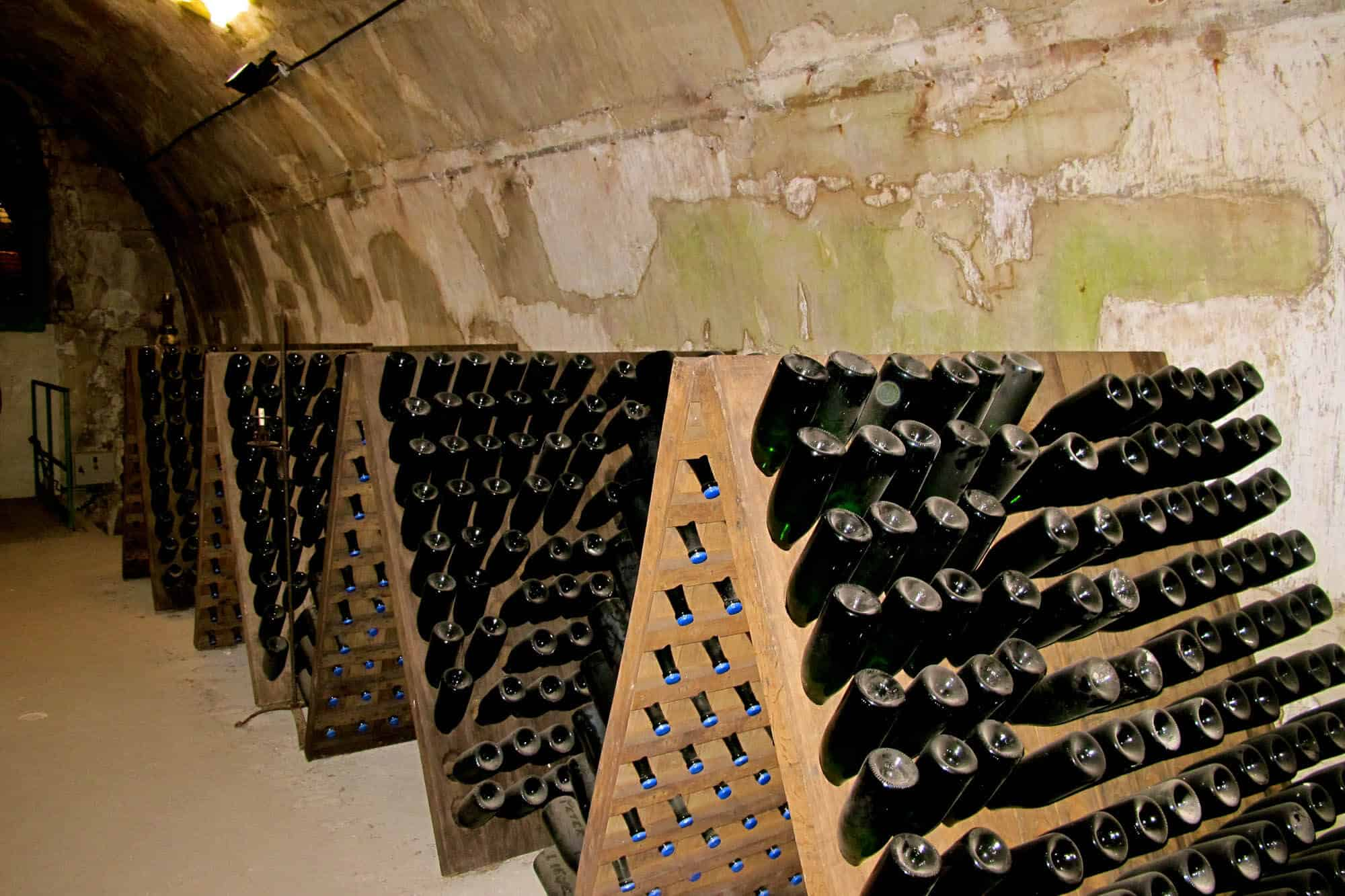 Delicieux Champagne House Storage