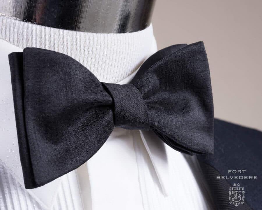 Fashion Mens Bow Tie Little Dots Butterflies Shape Tie for Men
