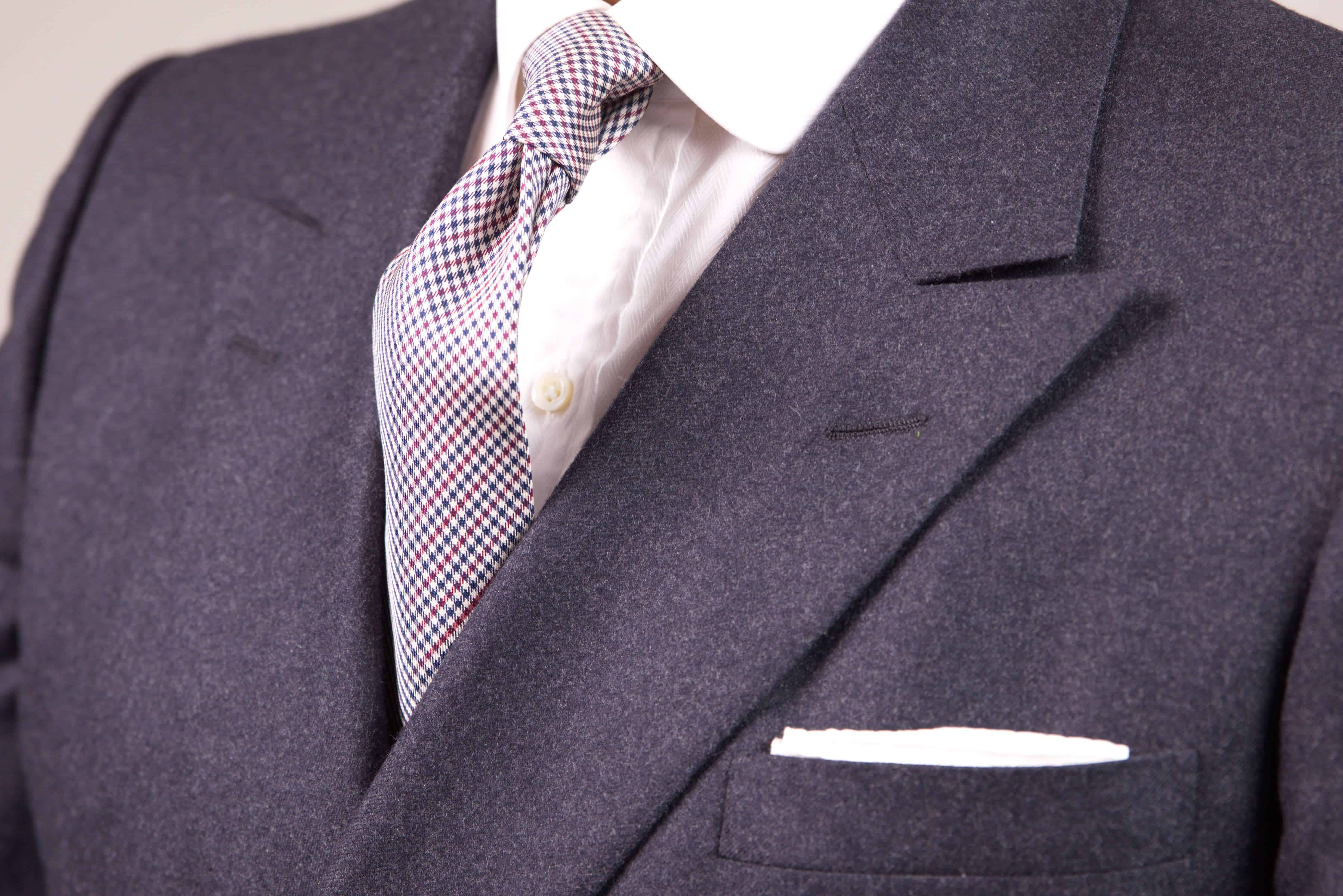 How To Combine a Pocket Square with a Tie, Suit \u0026 Shirt