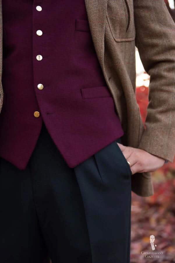 Navy pants, burgundy vest and tweed jacket - business casual in the fall