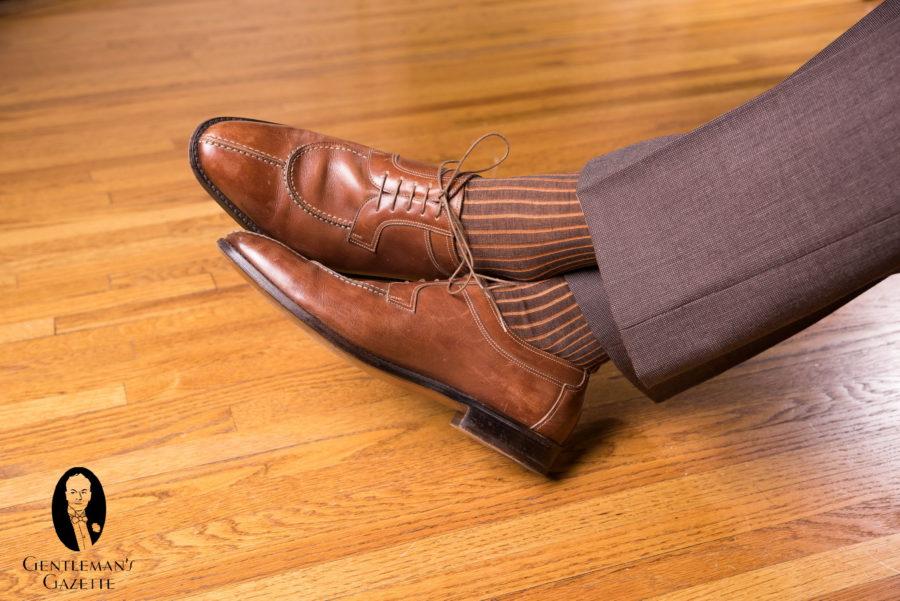 suit slacks in mid-brown with split toe derbys
