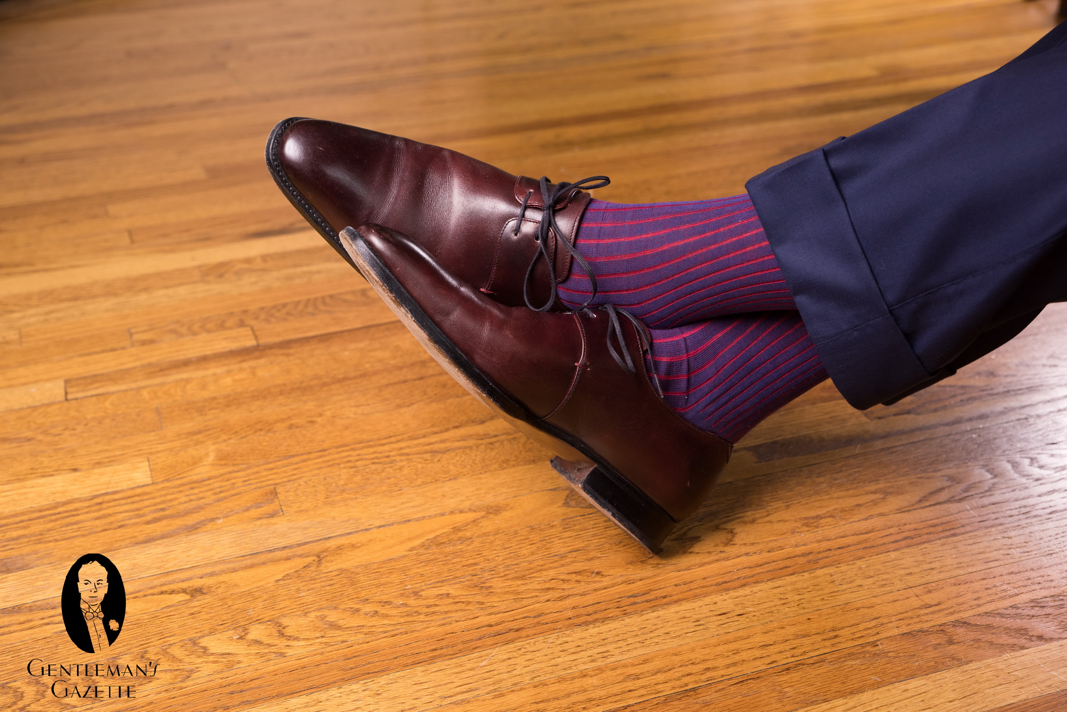 How Pants Should Fit Gentlemans Gazette Tendencies Navy Chinos Short 32 Oxblood Derby Shoes With And Shadow Stripe Ribbed Socks Blue Red Fil