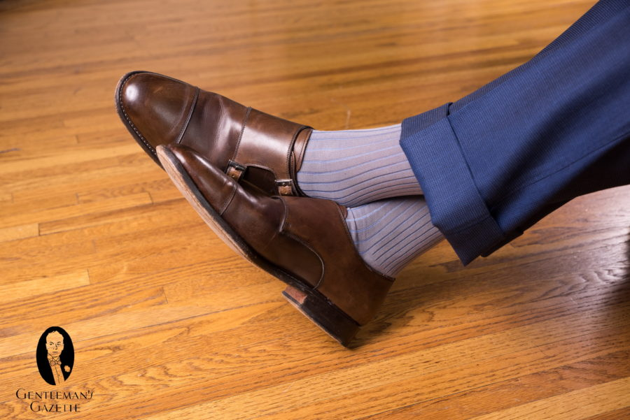 Shoes navy trousers colour what with What color