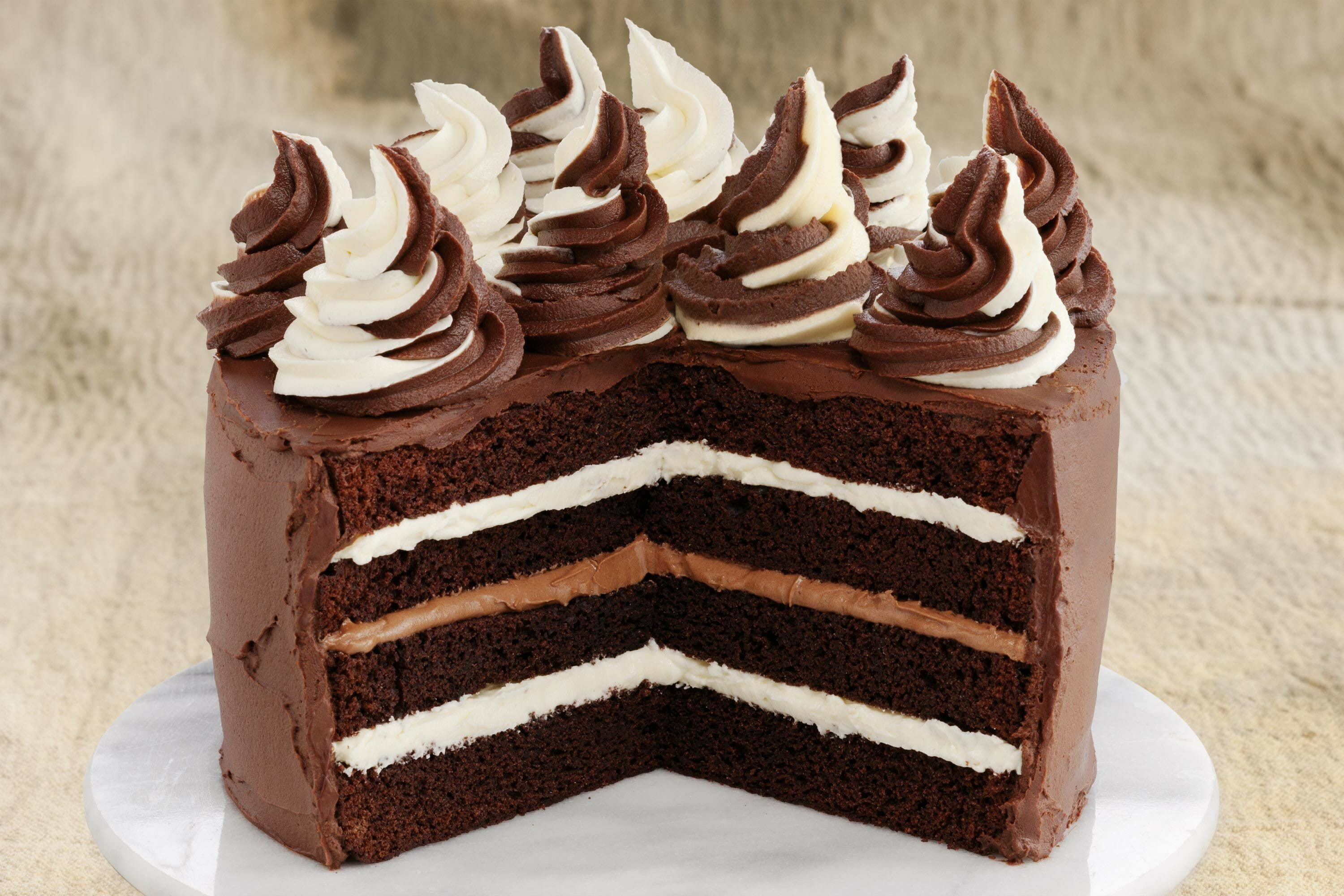 Chocolate And Mascarpone Truffle Cake