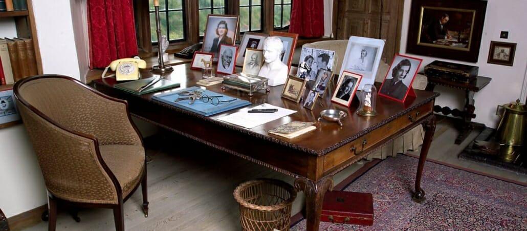 Churchill desk at Chartwell