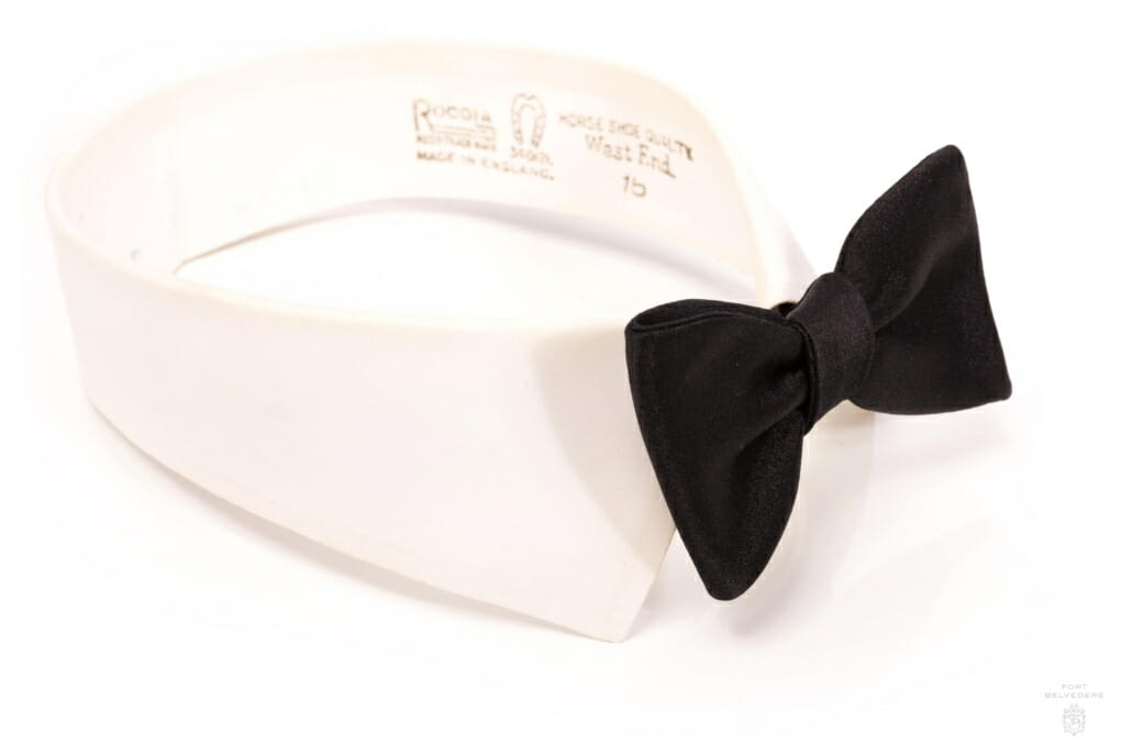 Side view on detachable collar Black Self-Tie Bow Tie in Silk Satin Sized Butterfly - Fort Belvedere