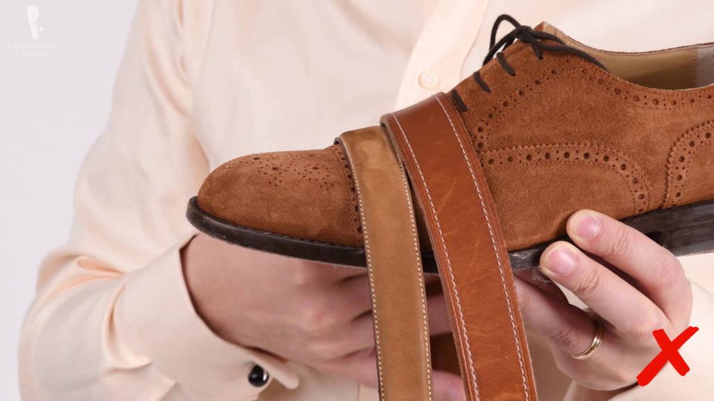 umatching-belt-shoes