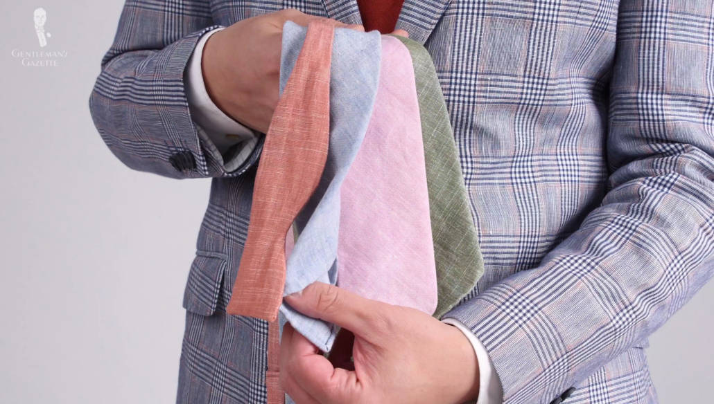 Exquisite linen ties in 3-fold construction, made by hand with a soft interlining - perfect for summer outfits.