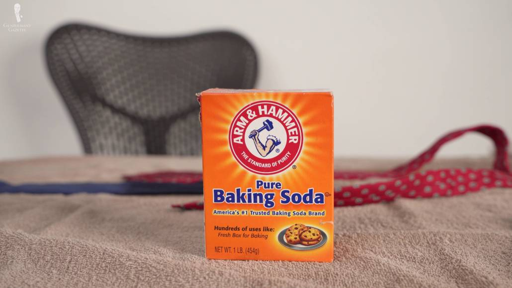Apply a small pile of baking soda on the stain and leave for 12-24 hours.
