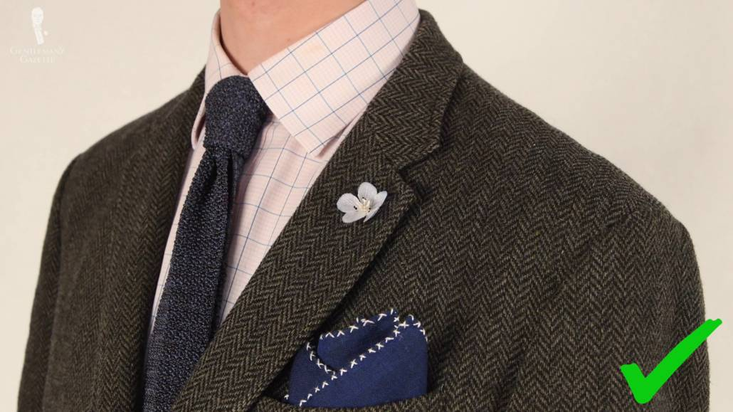 A well combined pocket square and tie will definitely earn you compliments.